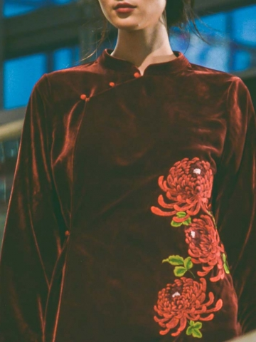 Lamscape - Chrysanthemum Red blouse