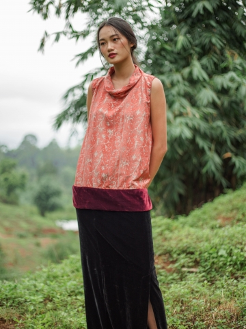 Into the journey silk Top